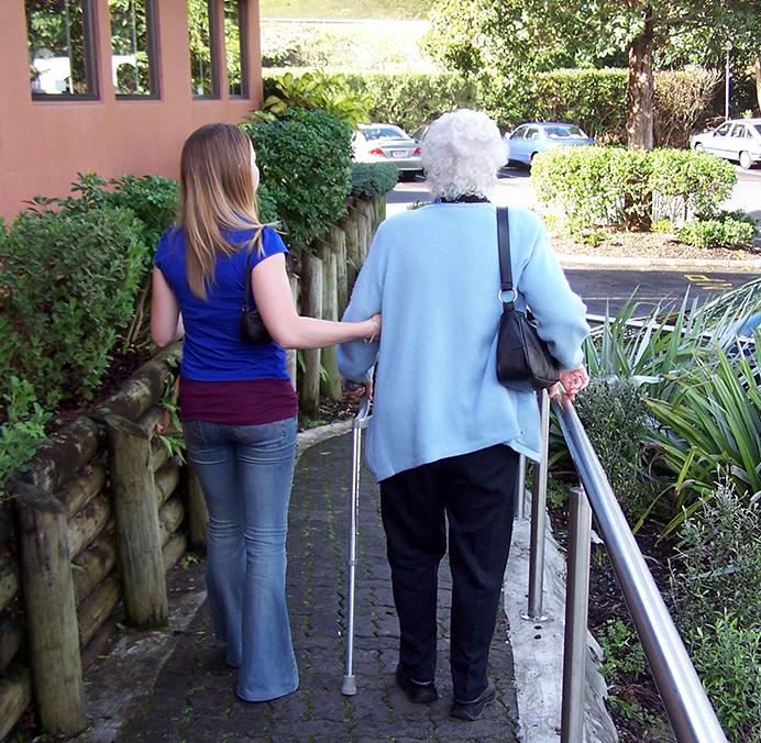suport social en gent gran i malalties cròniques