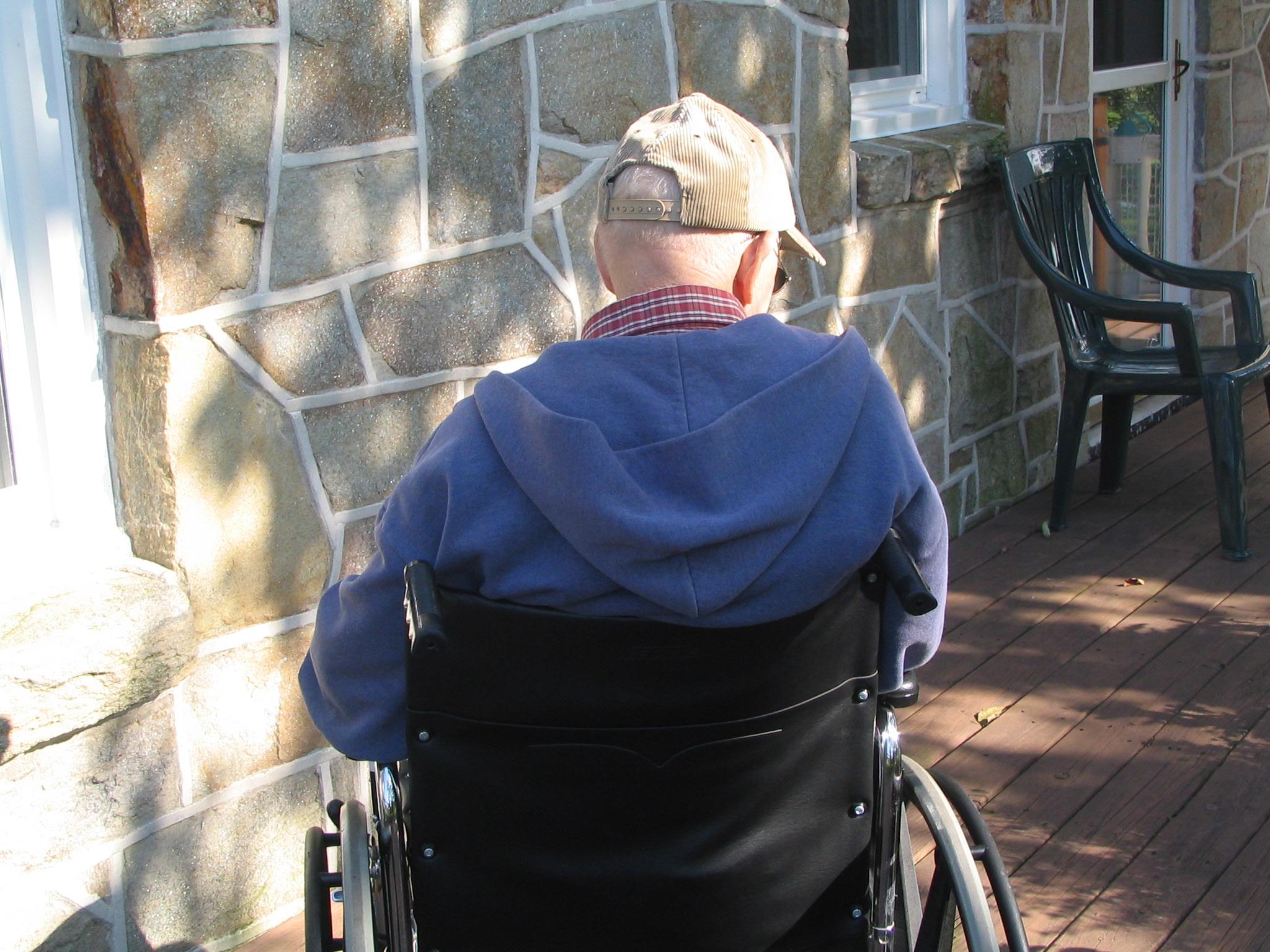 Edadisme_un dels reptes d'envellir en el segle XXI